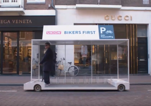 Bikers first in PC Hooftstraat: Guerrillamarketing of niet?